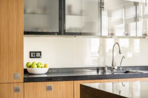 Clean kitchen countertops