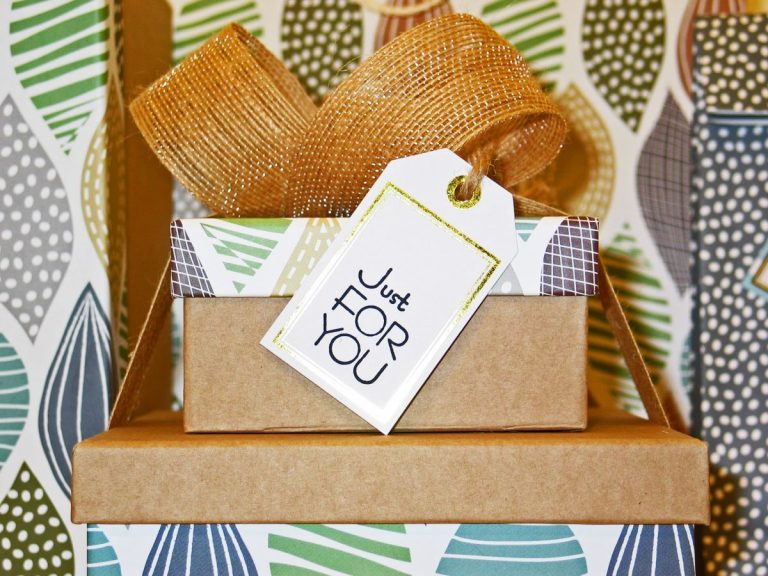 personalized packaging with just for you note